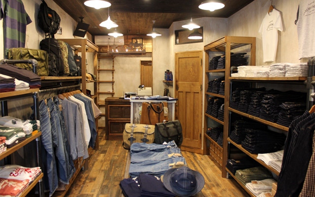 WAREHOUSE & CO.(ウエアハウス)札幌店